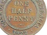 Sale 8299C - Lot 560 - KING GEORGE V HALF PENNY VARIETIES; 1922 x 3, each with similar blob at top of first leg of P in PENNY, 2 x upset to around 1 o'cloc..