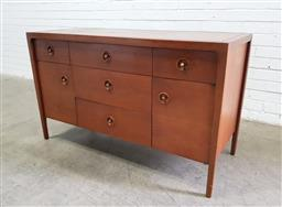 Sale 9117 - Lot 1009 - Vintage elevated teak sideboard with 4 drawers and 2 doors (h:76 x w:127 x d:51cm)