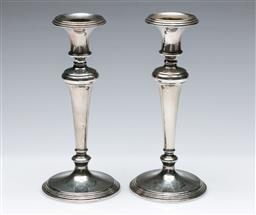 Sale 9164 - Lot 236 - A pair of Coronet, Canada, silverplated candlesticks (H:20cm)