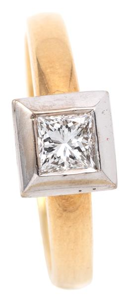 Sale 9132 - Lot 401 - AN 18CT GOLD SOLITAIRE DIAMOND RING; rub set in a rhodium plated collet with a princess cut diamond of approx. 0.50ct, VS, size M1/2...