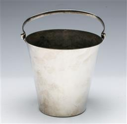 Sale 9164 - Lot 293 - A silverplated ice bucket marked Superior Plate to base (H:12.5cm)