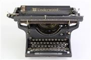 Sale 8860V - Lot 67 - Vintage Underwood Typewriter