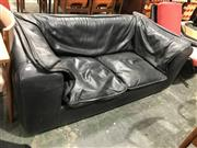 Sale 9022 - Lot 1079 - Italian Black Leather Two Seater Sofa (H:68 x W:160 x D:86cm)