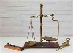 Sale 9255 - Lot 1055A - Set of Victorian brass countertop scales and weights (h:57cm)