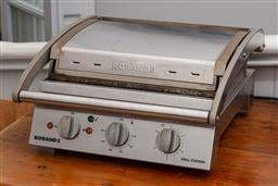 Sale 9160H - Lot 159 - A Roband grill station, Width 43cm