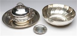 Sale 9173 - Lot 82 - A collection of silver plate items incl bowl (dia 24cm), tray,  coasters and lidded chafing dish
