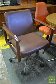 Sale 8528 - Lot 1072 - Vintage Parker Desk Chair