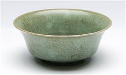 Sale 9164 - Lot 381 - Chinese Glazed Bowl, entire body covered with olive-grey crackled glaze , H: 5.5 cm