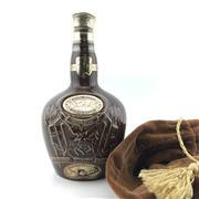 Sale 8588 - Lot 957 - 1x Chivas Brothers 21YO 'Royal Salute' Blended Scotch Whisky - in Spode Porcelain decanter bottle, old bottling, some evaporative lo.