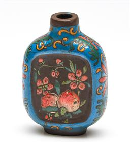 Sale 9253 - Lot 80 - A cloisonne decorated Chinese snuff bottle - missing stopper (H:7cm)