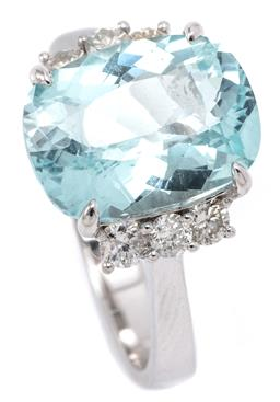 Sale 9132 - Lot 419 - AN AQUAMARINE AND DIAMOND RING; featuring an oval cushion cut aquamarine of approx. 4.75ct to shoulders set with a total of 6 round...