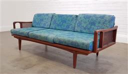 Sale 9174 - Lot 1002 - Vintage Cintique daybed with rattan sides (h:56 x w:197 x d:76cm0