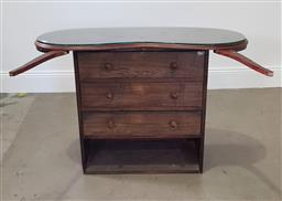 Sale 9210 - Lot 1091 - Kidney shaped top chest of drawers with glass cover (h79 x w110 x d45cm)