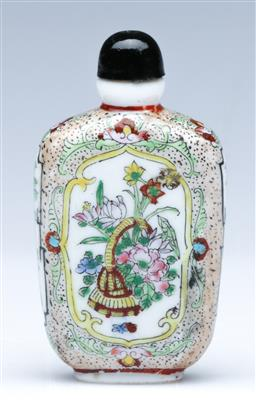 Sale 9098 - Lot 181 - Chinese enamel milky glass snuff bottle with stopper