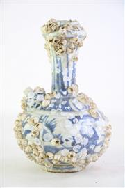 Sale 8849P - Lot 687 - Chinese Blue and White Garlic Nip Vase with Barnacles H21cm
