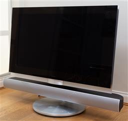 Sale 9165H - Lot 150 - Bang & Olufsen Television with soundbar on swivel base containing Master control link 82 Diagonal screen size 100cm