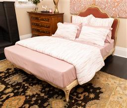 Sale 9248H - Lot 145 - Bed linen to include Coverlet, sheets and pillows, sheets. (as new)