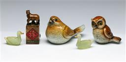 Sale 9156 - Lot 89 - A group of animal related items inc birds, horse seal (H 10cm) and others