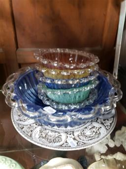 Sale 9101 - Lot 2191 - Coloured Glass Bowls (6 small, 1 large) & a Canadian Wildlife Plate
