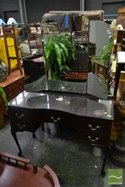 Sale 8499 - Lot 1377 - Queen Anne Style Wingback Mirrored Dressing Table with Five Drawers ( crack to mirror)