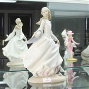 Sale 8288 - Lot 7 - Lladro Figure