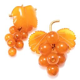 Sale 9156J - Lot 395 - TWO VINTAGE AMBER GRAPE BROOCHES; each a bar brooch attached with vine leaf surmounting bunch of grapes, gilt fittings, lengths 50 &...