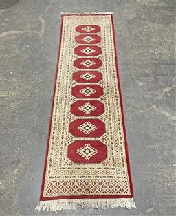 Sale 9188 - Lot 1396 - Hand knotted pure wool Pakistani Runner ( 281 x 79cm) -