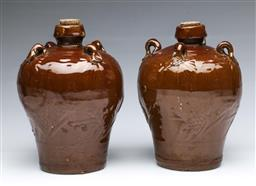 Sale 9098 - Lot 86 - A pair of Chinese ceramic pots H22cm