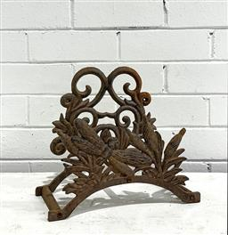 Sale 9188 - Lot 1681 - Cast iron wall mount Hose Hook with dragonfly and reeds motif (h22 x 32 x 15cm) -