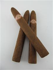 Sale 8411 - Lot 609 - 3x Montecristo No.2 Cigars, Havana - loose cigars removed from humidor, 15.5cm