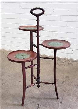 Sale 9097 - Lot 1097 - Edwardian Mahogany Cake Stand, of three graduated felt lined stands & carry-handle (h84 x d53cm)