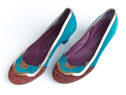 Sale 9091F - Lot 47 - A PAIR OF MARC JACOBS LOW HEEL SHOES IN TEAL, GOLD, AND BROWN, size 38. wear to base