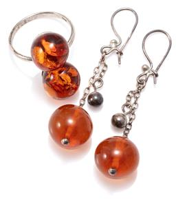 Sale 9156J - Lot 346 - VINTAGE SILVER AMBER RING AND DROP EARRINGS; ring mounted with two 12mm off round amber beads, size N, earrings each a silver lockin...
