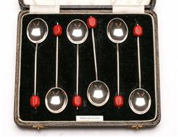 Sale 9128 - Lot 80 - A cased set of 6 sterling silver spoons