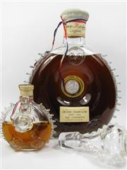 Sale 8225 - Lot 1700 - 1x Remy Martin Louis XIII Very Old, Age Unknown Grande Champagne Cognac - old bottling c.1940s in Baccarat Crystal decanter (bottl...