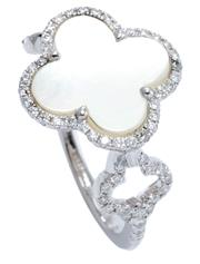 Sale 9054J - Lot 165 - A PEARL AND DIAMOND LUCKY CLOVER RING; 18ct white gold Alhambra style quatrefoil ring with mother of pearl plaque to surround and sh...