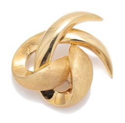 Sale 9099 - Lot 137 - A 14ct yellow gold abstract scroll design brooch. Weight: 4.8 grams, length 3.7cm
