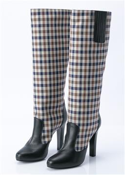 Sale 9095F - Lot 93 - A pair of knee high Aquascutum 80900/V1 black and check heeled boot, size 39 (IN BOX).