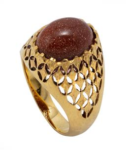 Sale 9099 - Lot 138 - An oval cold stone [glass] ring; claw set in 14ct yellow gold. Weight: 5.8 grams  size O - O1/2