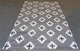 Sale 9188 - Lot 1403 - Woollen modern black, white & grey tone dhurrie by  the rug company