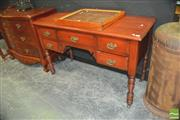 Sale 8418 - Lot 1002 - Kneehole Desk w 5 Drawers
