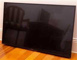 Sale 9150H - Lot 153 - A Sony flat screen television, 125cm, model no. 49X7000E, serial no. 6701019