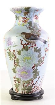 Sale 8989F - Lot 627 - Chinese vase featuring flowers and birds on pale background (H34cm)